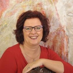Praticienne de la guérison extraterrestre - Manon van den Boorn